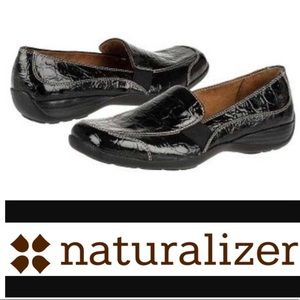 Natural Soul faux croc embossed loafers